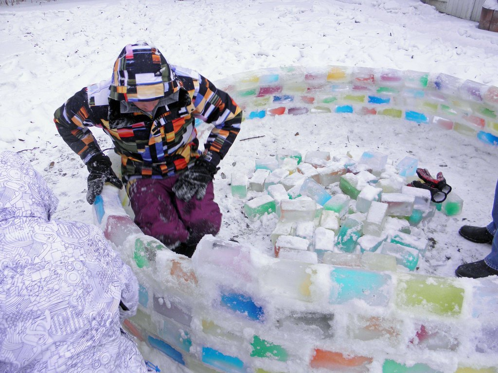 colored_ice_igloo_09
