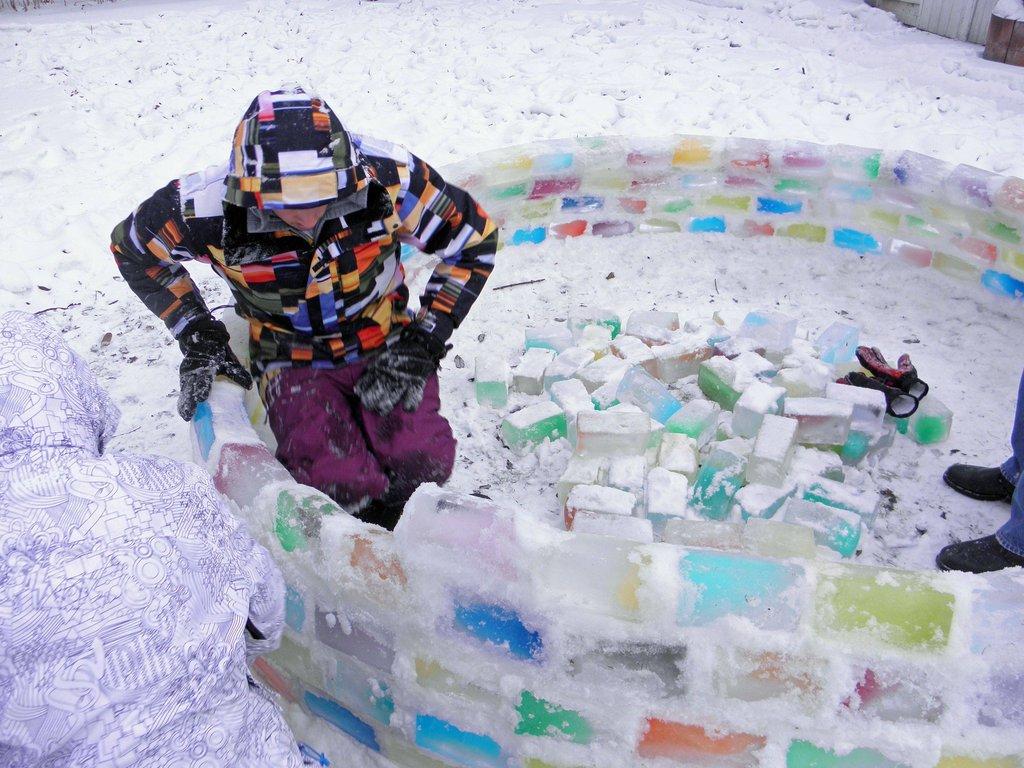 colored_ice_igloo_09