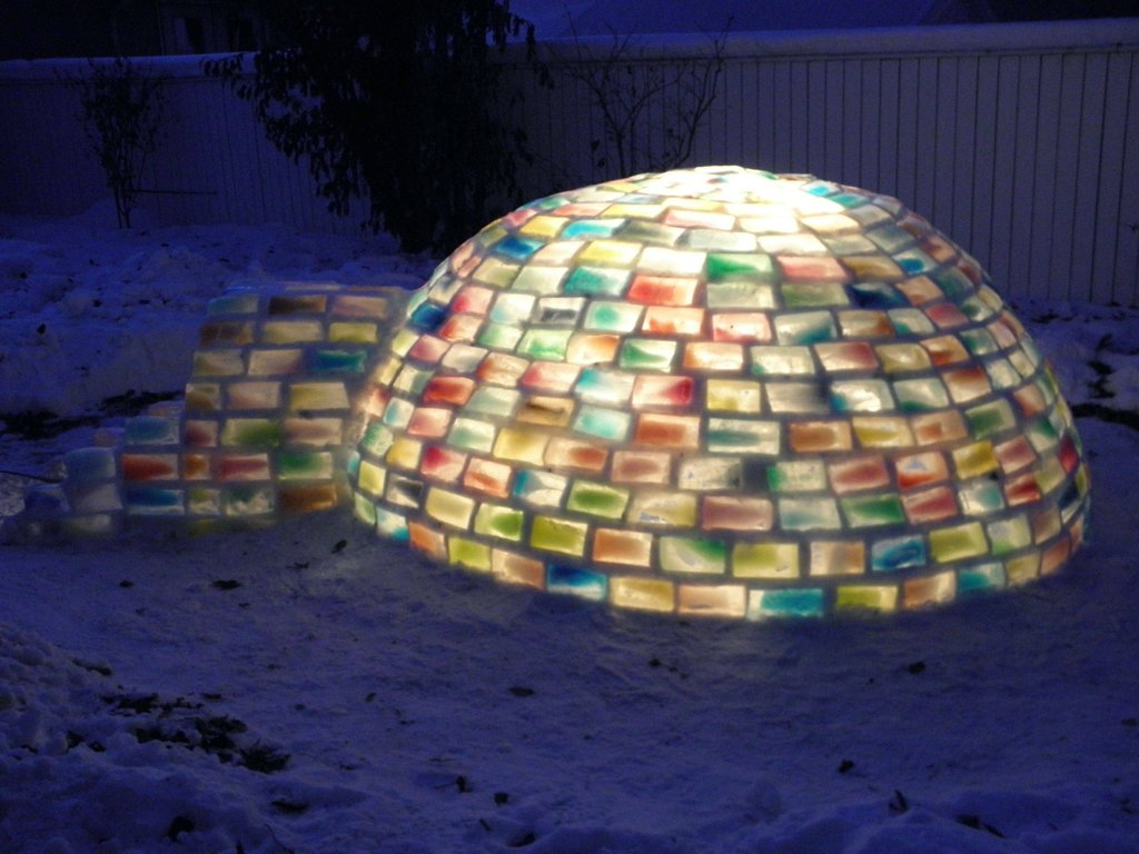 colored_ice_igloo_14