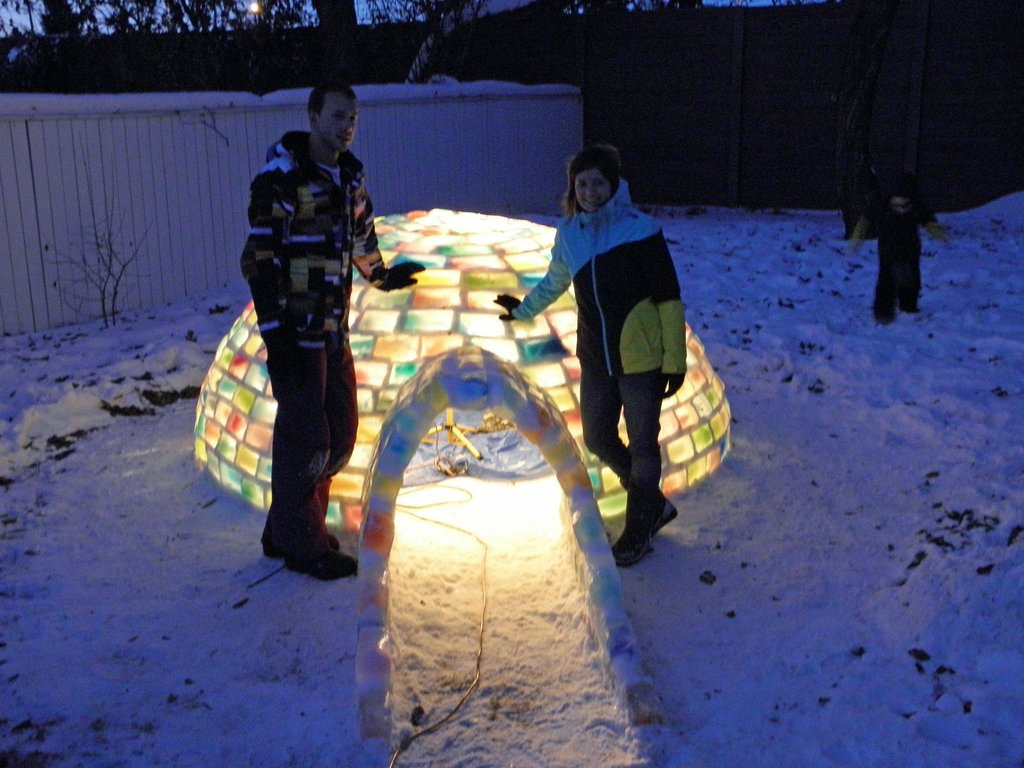 colored_ice_igloo_15