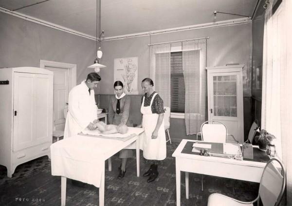 Mannerheim_League_for_Child_Welfare_clinic_in_Jämsänkoski_1938-600x423