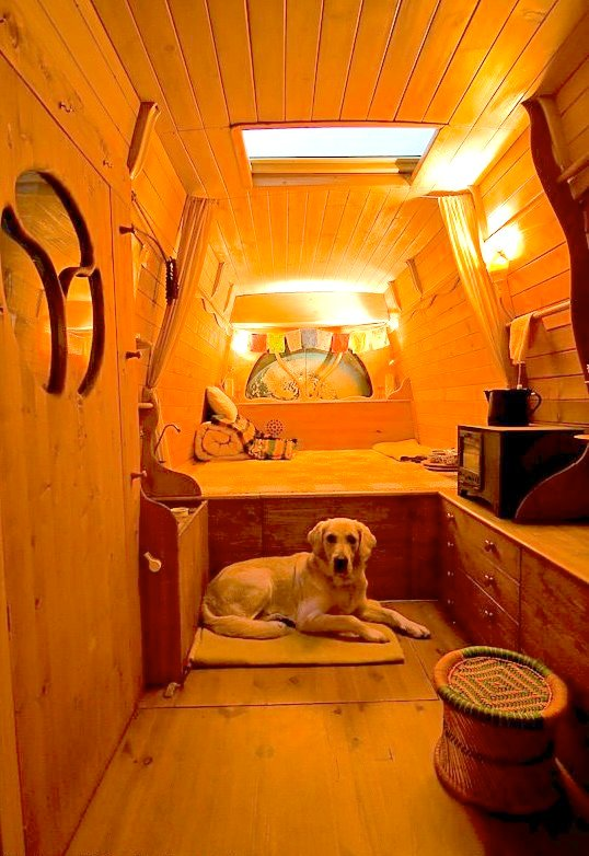 dipa-vasudeva-das-work-van-to-tiny-cabin-conversion-diy-motorhome-0031