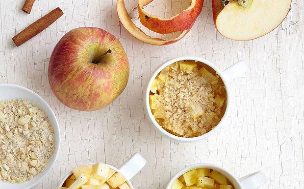 sm-allcreated-warm-apple-crumble-mug-cake