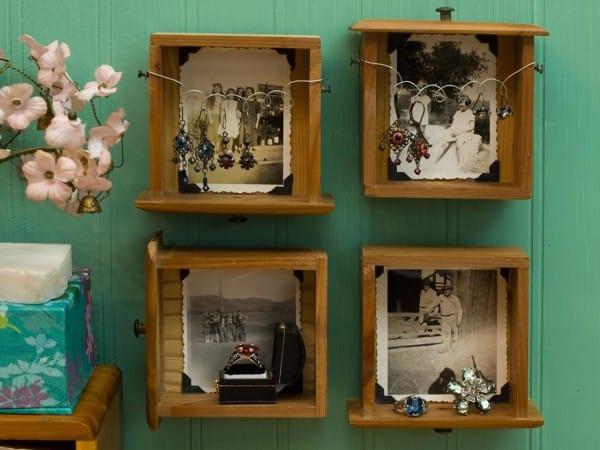 Original_Jennifer-and-Kitty-ONeil-Thrift-Store-Bath-Drawer-Frames_s4x3.jpg.rend_.hgtvcom.1280.960-600x4501