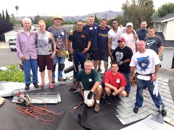 Roof-volunteers-Facebook-David-Perez-600x450